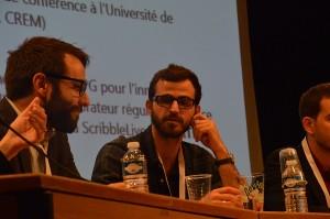 Robin Minchom (à droite) lors de la table ronde des Assises du journalisme
